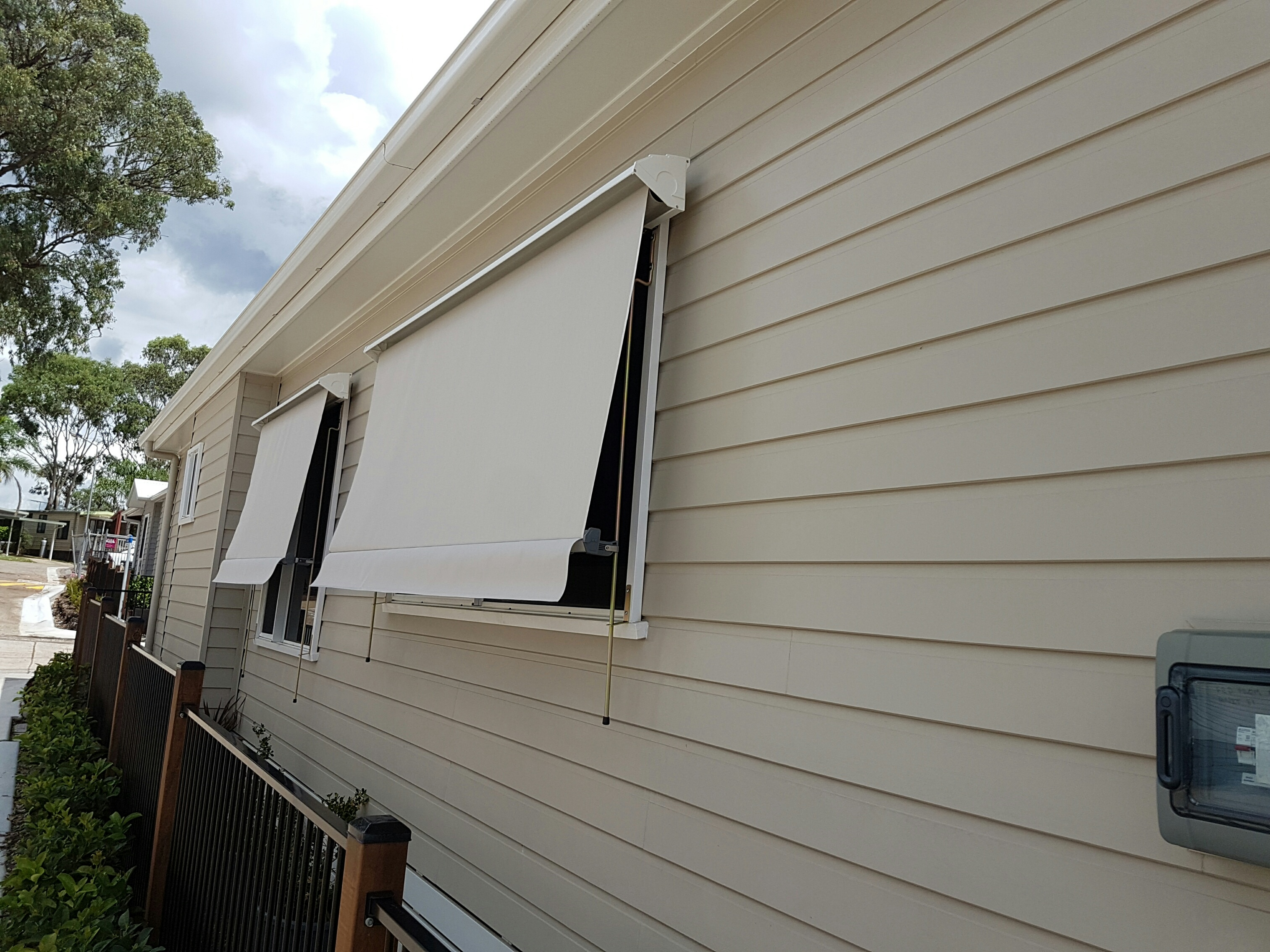 System 2000 Auto Awning with 150mmm arms